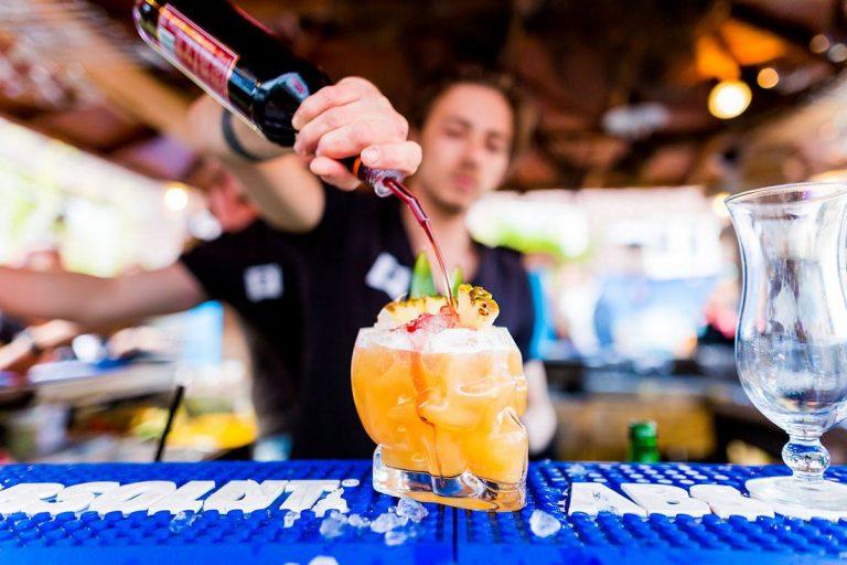 Cocktails op het dakterras